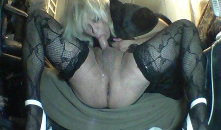 سینه های بزرگ لوسی وایلد به سختی متناسب داستان سکسی حشری با یک سینه بند قرمز