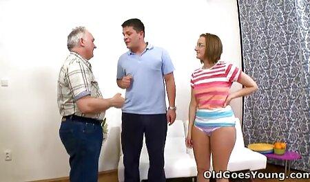 شور و شوق-دختر در کنار درب جینا جی چلچله یک بار بزرگ سکس حشر