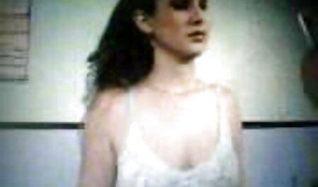 فرانسیسکا جیمز می شود در یک دوجنسه حشری گروه